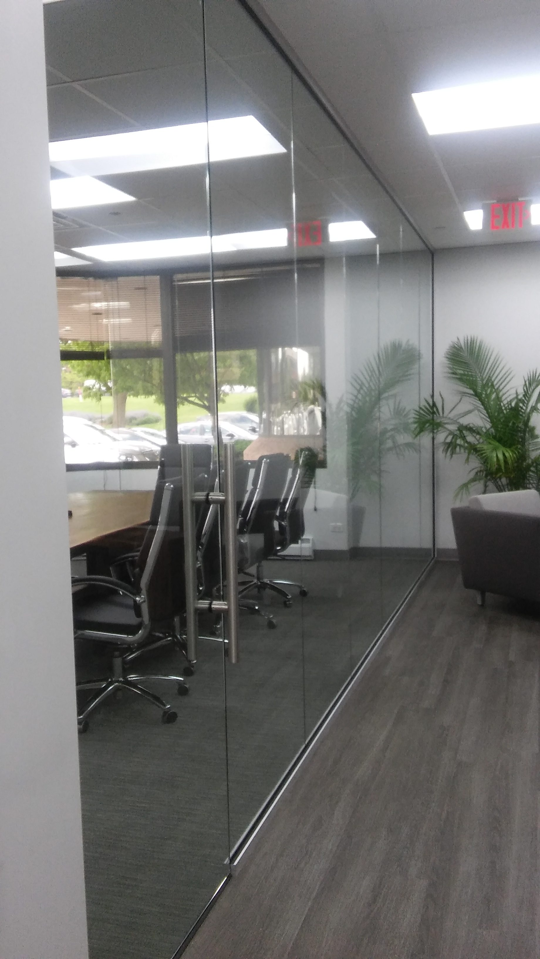 Webb walls Commercial Interior Glass. and Demountable walls . Tempered Glass. Skyler Glass - Conference Room
